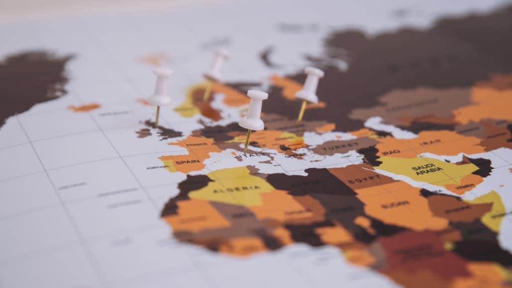 biens immobiliers et comptes bancaires à l'étranger